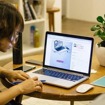Earning Money from Home Leveraging the Internet